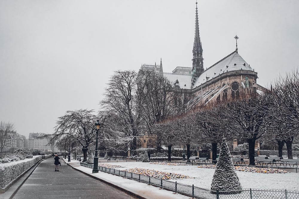 Travel Guide When Visiting Paris in Winter