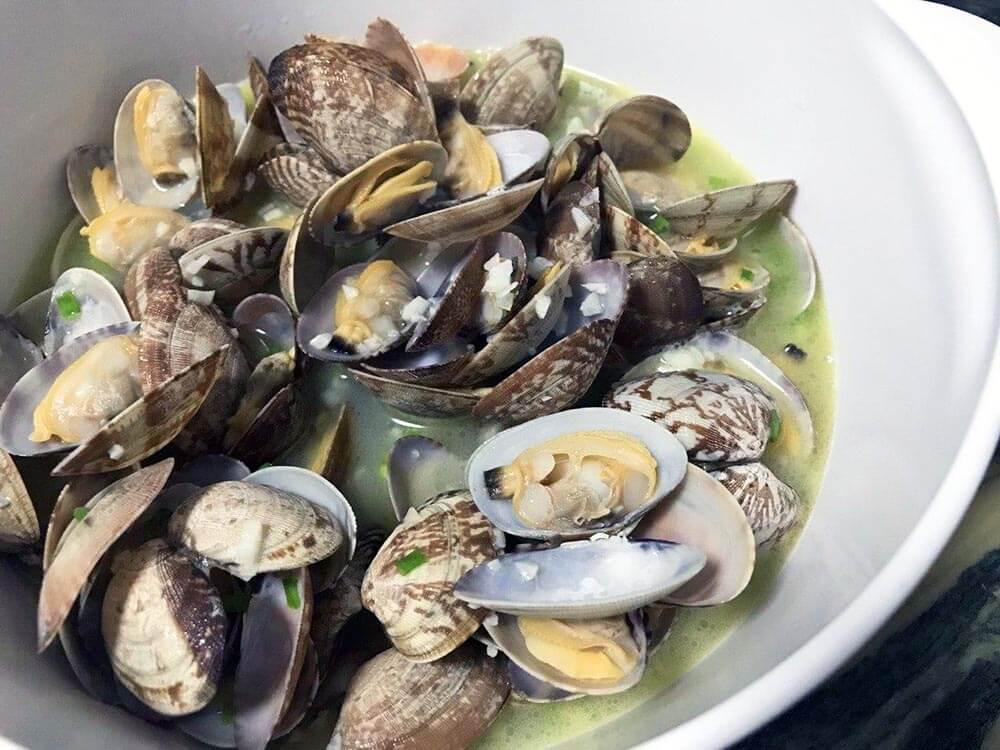 Easy Lemon Garlic Butter Asari Clams Recipe