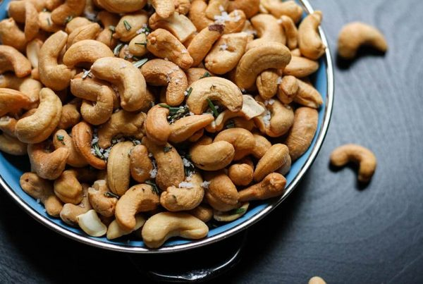 Ways to snack on seeds and nuts
